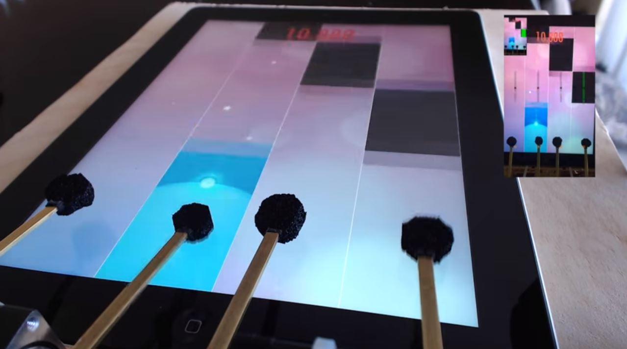 ¿Te consideras un experto en Piano Tiles 2? Este robot te mostrará lo que es ser un maestro